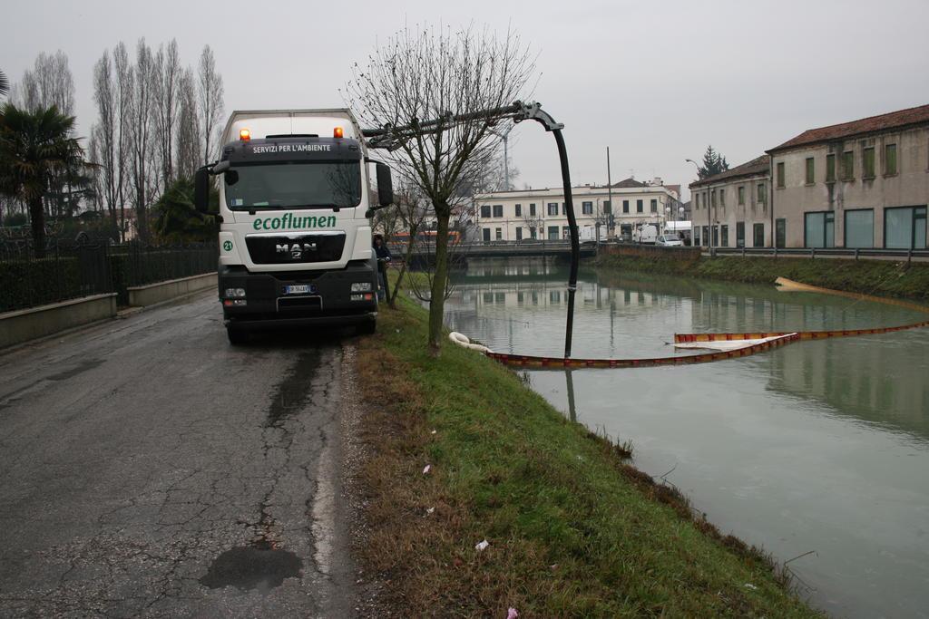 bonifica_corsi_d'acqua_contaminati_da_idrocarburi